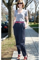 American Apparel t-shirt - Ray Ban sunglasses - JCrew belt - vintage pants - mel