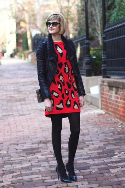 ruby red sweater leopard DKNY dress - black mini Sophie Hulme bag