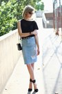 Black-mini-sophie-hulme-bag-black-skinny-anthom-belt-sky-blue-zara-skirt
