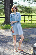 sky blue striped Loft dress - sky blue denim jacket Levis jacket