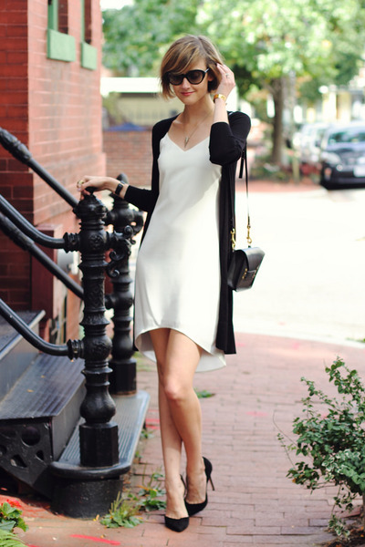 black long cardigan Oasis sweater - white fitted Oasis dress