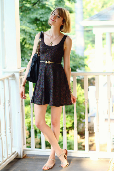 gold shell clasp vintage belt - black sparkly Topshop dress