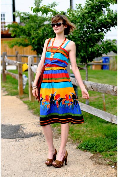 orange swapped print vintage dress - brown carved heel Miu Miu shoes