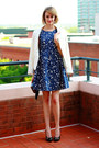 Navy-floral-print-zara-dress-white-gold-buttons-zara-blazer-black-fringe-clu