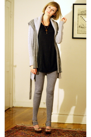 H&M t-shirt - vintage necklace - Forever 21 vest - Express sweater - H&M legging