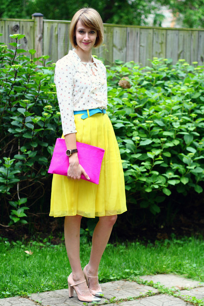 yellow pleated romwe skirt - hot pink cluch asos bag