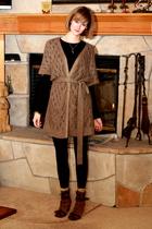 black Target t-shirt - gold H&M vest - black American Apparel leggings - brown b