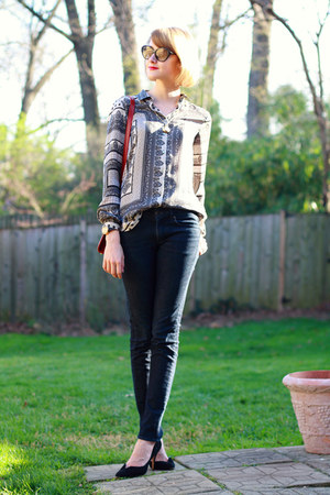 silver scarf print Zara blouse - navy skinny jeans H&amp;M jeans