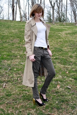beige trench coat Burberry coat - black black and gold PROENZA SCHOULER shoes