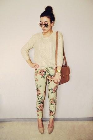 beige Zara jumper