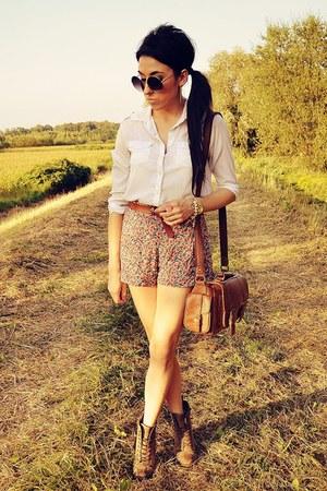 white Cubus shirt
