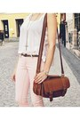 Dark-brown-topshop-bag-white-h-m-t-shirt