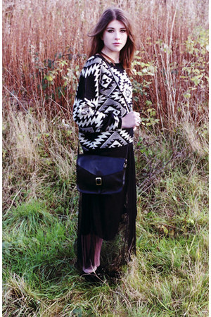 black Dixi jumper - black francis satchel Dixi bag - black Dixi skirt