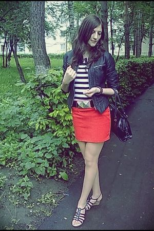 red made-by-me skirt - black Wet Seal jacket - black newyorker belt h&m bracelet