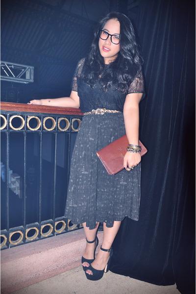 black platform Steve Madden heels - brown vintage emporio armani purse