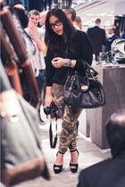 olive green camo print Zara pants - black platform Steve Madden shoes