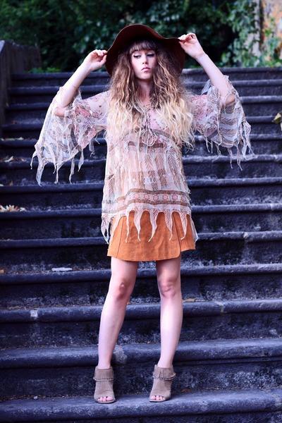 beige Kate Moss for Topshop top - brown American Apparel hat