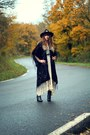 Black-pepe-jeans-boots-ivory-free-people-dress-black-missguided-hat