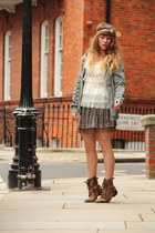 brown Primark boots - army green Only jacket - white Molly Bracken top