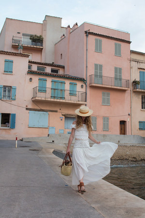 gold Lack of color hat - gold bag - ivory maison hotel skirt - white Zara top