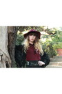 Black-vero-moda-cardigan-maroon-richelieu-boots-ruby-red-zara-hat