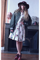 olive green Doll Poupée jacket - white Doll Poupée dress