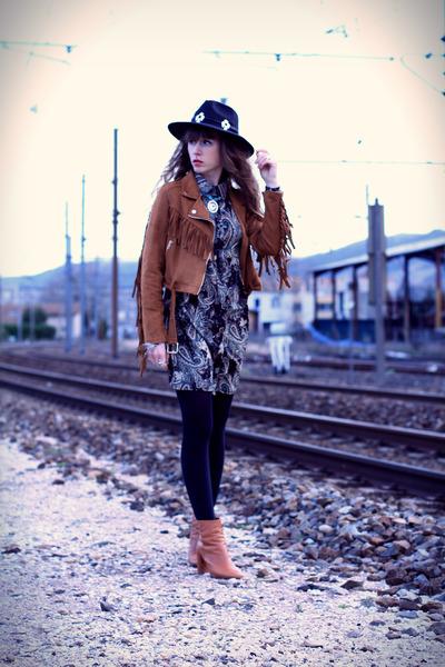 black Missguided dress - tawny Topshop boots - black Doll Poupée hat