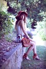 Carrot-orange-urban-outfitters-hat-tawny-only-bag-tawny-dkode-heels