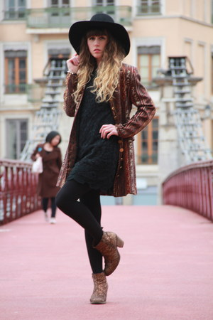 black Monki hat - bronze Bertie boots - black Molly Bracken dress