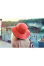 Carrot-orange-pepe-jeans-dress-tawny-urban-outfitters-hat