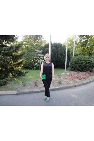 green clutch no name bag - green peep toe Pitarello heels - chiffon Zara romper