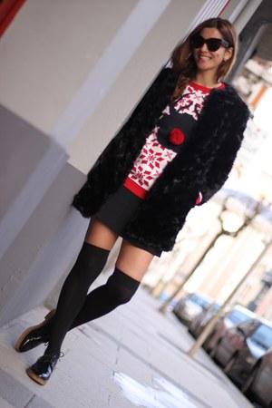 hot pink knit pull&bear jumper - black fur Zara coat