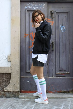 black Zara jacket - white Zara socks - white Adidas Stam Smith sneakers