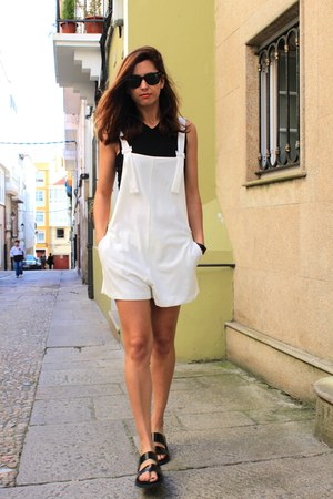 white Zara bodysuit - black Zara sandals