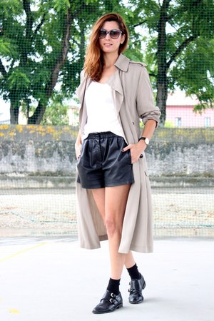 black Zara shorts - black Uterque shoes - silver Zara cardigan