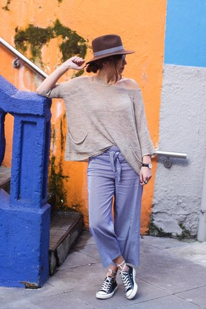 nude Zara sweater - dark brown Marta Anastasia Formentera hat