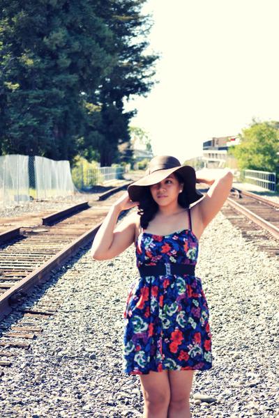 8a368878f92 Floral Print Xhilaration Dresses, Merona Hats, Forever21 Belts, Nine ...
