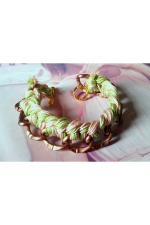 light pastels HAndMade with LOve bracelet