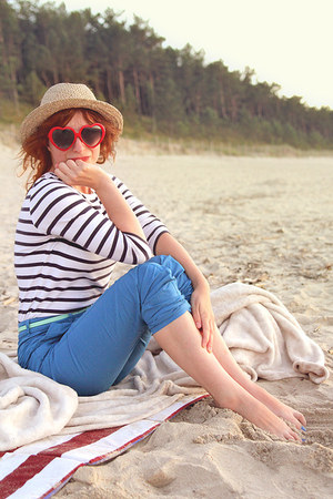 camel straw hat hat - red heart shaped thrifted sunglasses - white stripes top -
