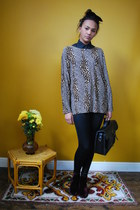 black wet look leggings - dark gray silk Dorothys Wardrobe shirt - black bag