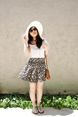 beige random from kiosk las vegas hat - beige Forever 21 blouse - blue Forever 2