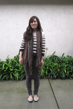 dark brown H&M sweater - charcoal gray citizens of humanity jeans - brown H&M sc