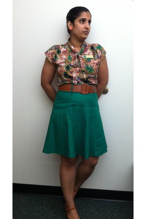 rayon Tulle top - Tropical Wear skirt - leather Pink Studio heels