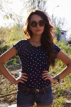 hearts Bershka t-shirt - sexy H&M shorts - brown H&M belt - meli melo glasses