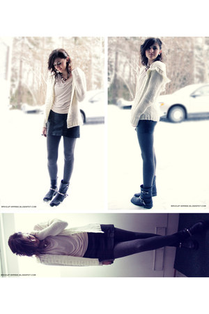 black decorated by me Skopunkten boots - gray H&M leggings - ivory Vila cardigan