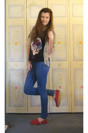 black the who Topshop t-shirt - ruby red canvas TOMS shoes