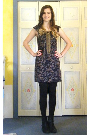 navy polka dot Lush dress - black zipper sam edelman boots