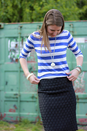 black textured Anthropologie skirt - blue striped Loft shirt