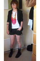 H&M t-shirt - iheartnorwegianwood necklace - DIY shorts - Primark boots - H&M bl