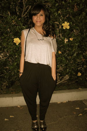 gray Forever 21 top - foreign exchange pants - HELLZ BELLZ x VANS shoes - Foreve